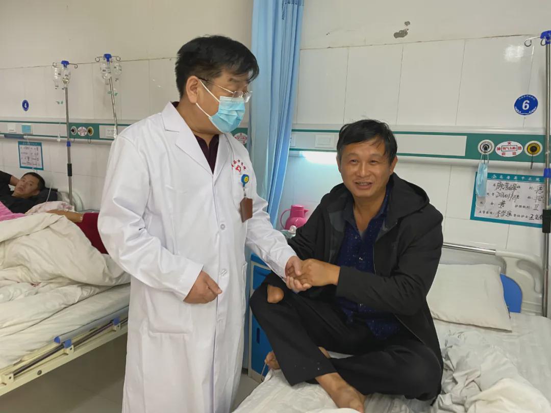 高唐县中医院医疗救助送温暖 扶贫救困暖人心