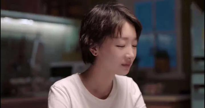 周冬雨斩获亚洲电影节最佳女主角,作品胜过路人缘