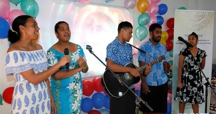 中斐友谊杯歌唱比赛在苏瓦举行
