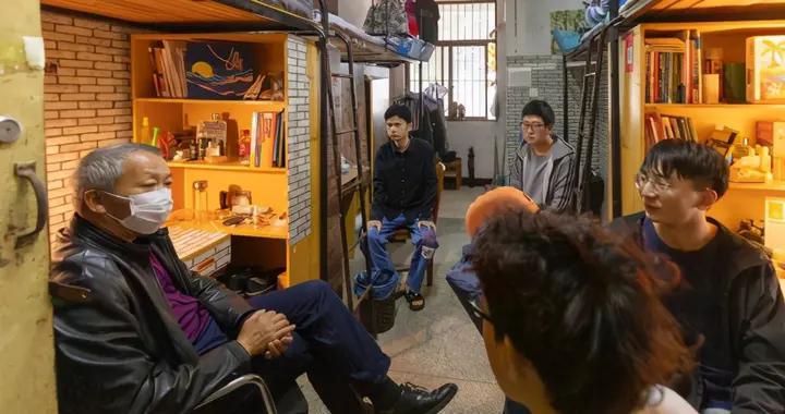 湖北城市建设职业技术学院开展党员下寝室工作纪实