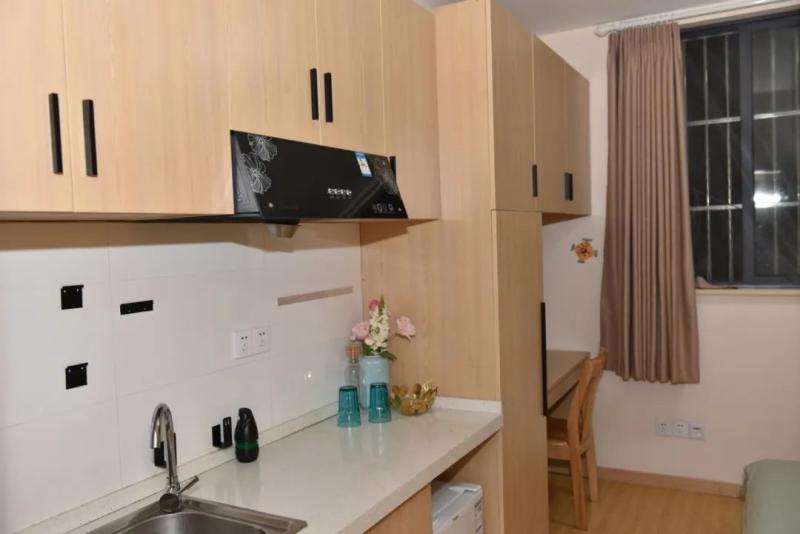 上海宿舍型公租房试点迎来首批入住,快递小哥房租可低至市场价一半
