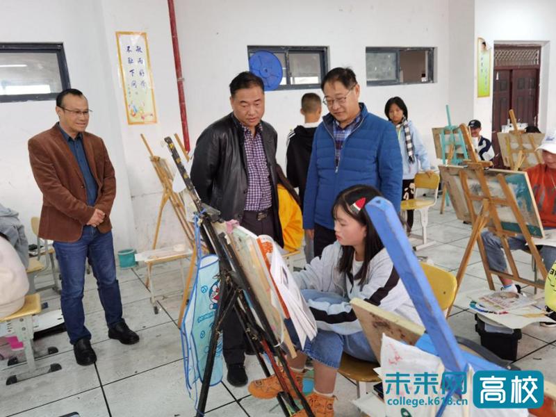 云南交通职业技术学院领导走访调研昭通市职业教育中心
