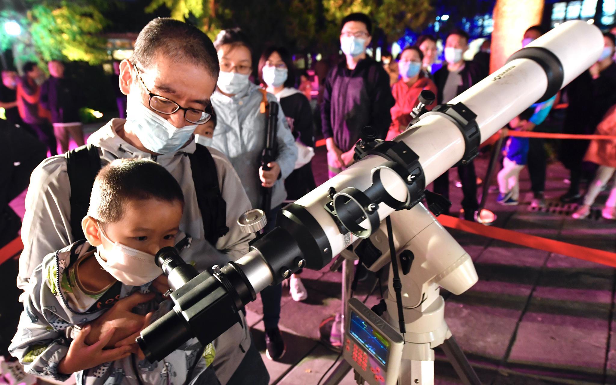 天文馆之夜首次登陆北京古观象台 专家讲解月亮文化图片