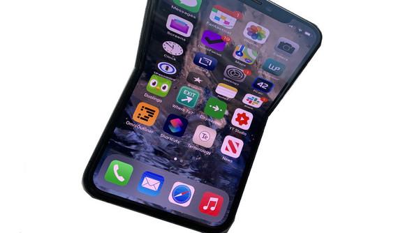 苹果新专利曝光 屏幕可折叠可自愈的iPhone你见过没?