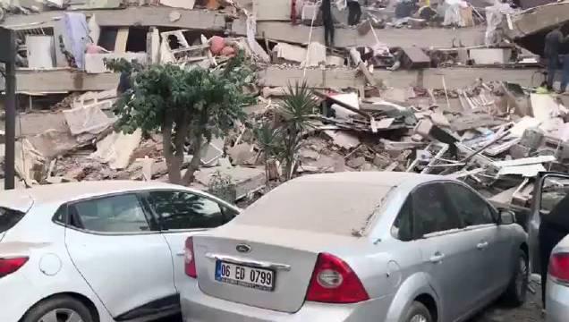土耳其第三大城市伊兹密尔今天发生七级地震……