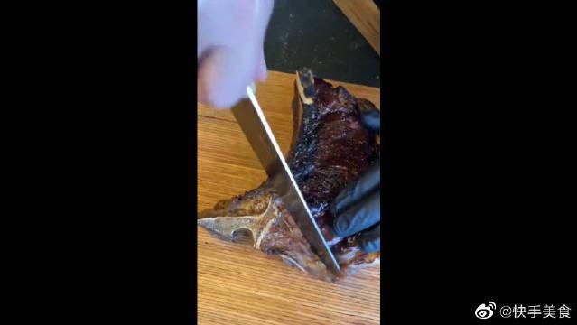 牛排我只吃爆浆的,这满满的肌红蛋白,才是我追求的美食