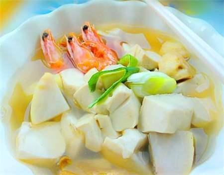 美食精选:海带炒豆芽、清香虾仁、大蒜木耳