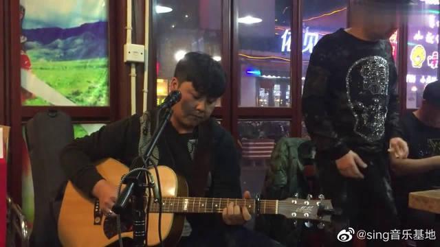 吉他弹唱《乌兰巴托的夜》,杭州塔拉乐队主唱太赞了