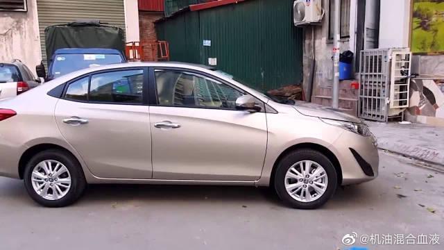 视频:新提的2020款丰田威驰,按下钥匙打开车门和后备箱,不要太喜欢