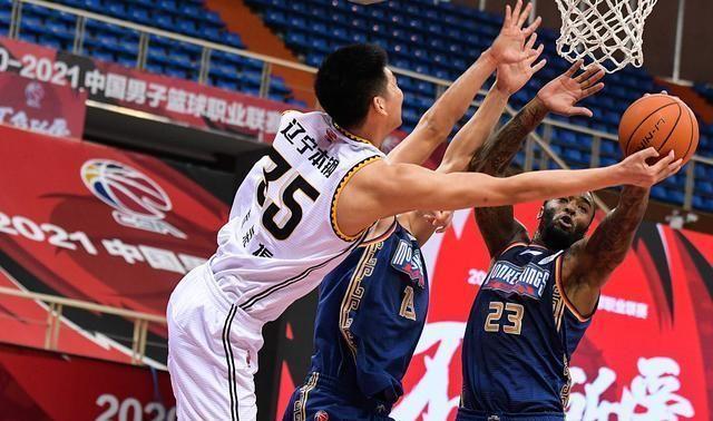 30+6+12!辽宁队夺得6连胜的背后,16投10中的他堪称第一功臣!