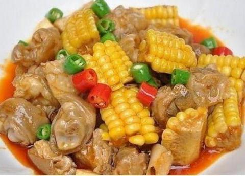 家常美食:糯玉米猪蹄,家常炒鸡杂,豆角烧茄子