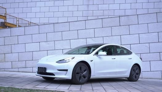 月销过万有道理 驾控表现异常优秀 试驾国产特斯拉Model 3
