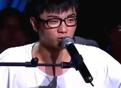 灵魂歌手华晨宇,隔壁的男孩已经长大了,愿他坚持自己的初衷