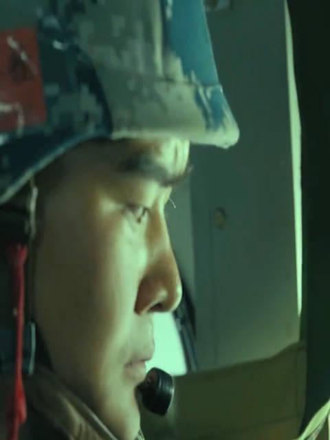 紧张刺激!第一视角看空降兵跳伞,你怕了吗?