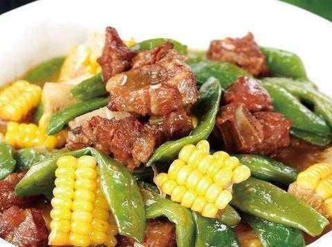美食精选:大蒜蘑菇、扁豆烧排骨、古法蒸茄子