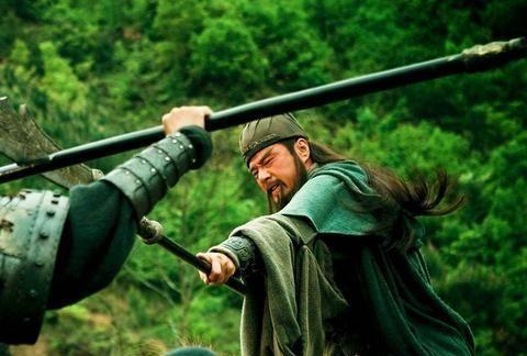 如果曹操不求饶,华容道上关羽真的能杀得了他吗?诸葛亮早已说明