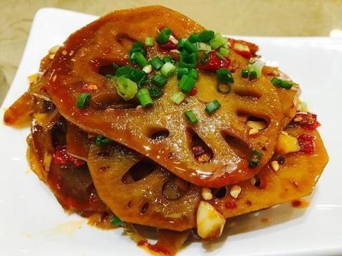 家常美食:香菇海米烧冬瓜,剁椒清蒸大黄鱼,南乳汁脆藕片
