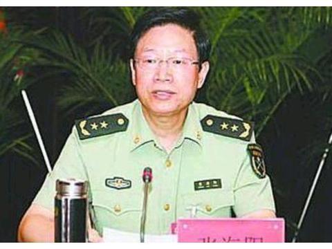 他曾任二炮政委,60岁升上将,军中罕见父子皆上将,今年71岁