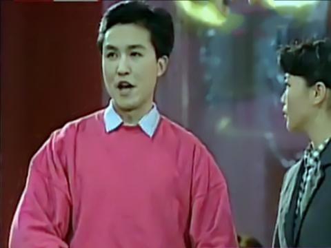 吴刚早年间活跃于话剧舞台,获奖无数,如今忙碌于荧屏,誉满其身