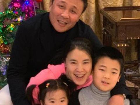 双喜临门!郭斌49岁生日和房子开盘卖10亿王楠喜提郭十亿!
