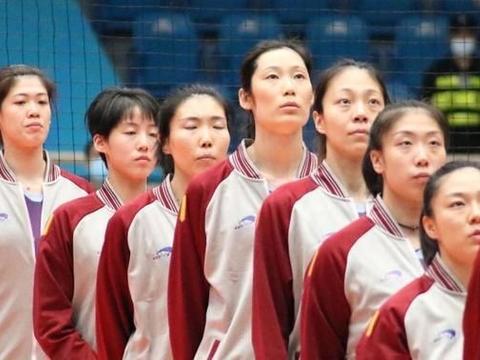 郎平回到家乡天津,和朱婷、李盈莹、王媛媛、姚迪罕见合照同框!