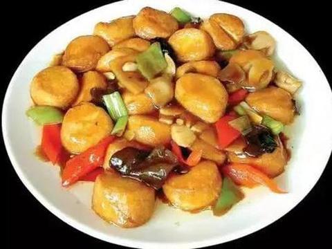 家常美食:韭菜炒香干,萝卜丝鲫鱼汤,红烧日本豆腐
