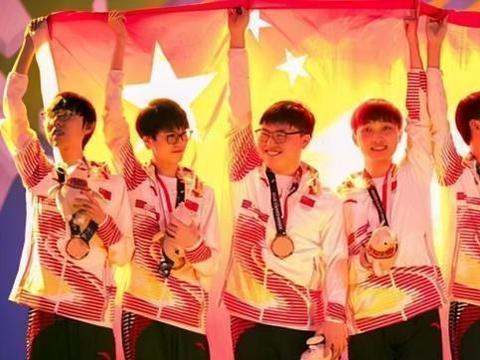 S赛冠军和亚运会金牌谁更重要?UZI和阿水之间的对比,给出答案