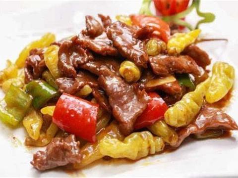 美食精选:泡椒牛肉、酸菜馅春卷、铁板鱿鱼、茄子钵儿面