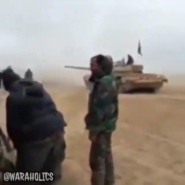 坦克被正面糊脸?