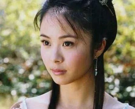 为娶小8岁的杨若兮,他净身出户,如今前妻复出变得更加美