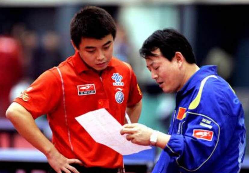 他是国乒金牌教练,如今侍弄花草,执教28年,却没资格享分房待遇