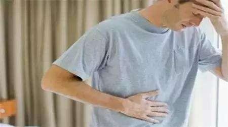 胃胀反酸不舒服,少吃3食,多吃4物,或许对胃有帮助