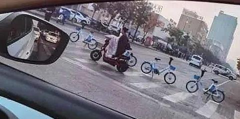 濮阳长庆路发生一起车祸,1人当场死亡!