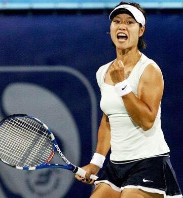 为什么女子网球运动员要把一个网球藏在裙边?