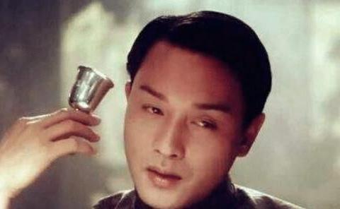 张丰毅谈《霸王别姬》:我们当时都躲着张国荣,他压根不是在演戏