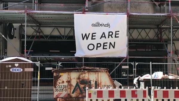 为控制疫情,德国暂时关闭餐饮和文体设施