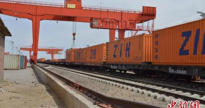 今年前3季度中蒙最大陆路口岸进出口贸易值实现正增长