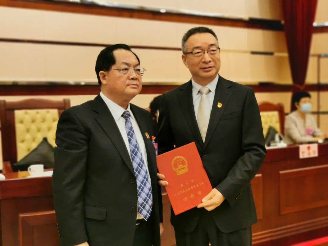 高圣元任深圳市政府秘书长