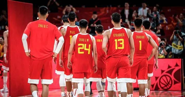 男篮亚洲杯开赛在即,周琦郭艾伦渴望救赎,杜锋首秀能否雪耻?