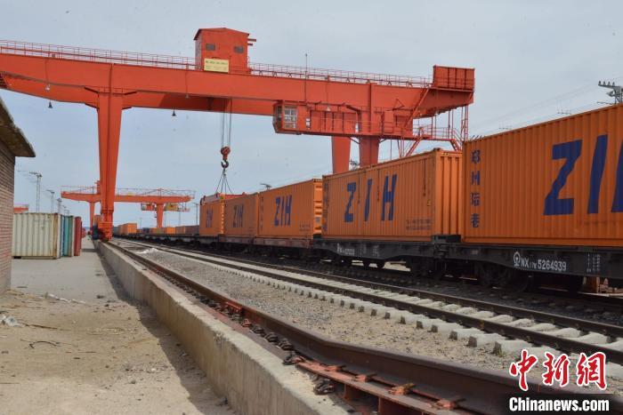 182亿元!今年前3季度中蒙最大陆路口岸进出口贸易值实现正增长