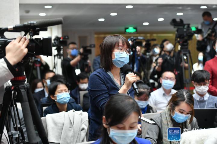 新加坡团结早报记者提问