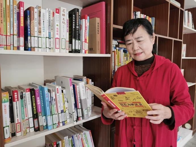 """""""阅读,是贯穿我 一生的事情"""" 浙江书展临近,宁波市民共话阅读"""