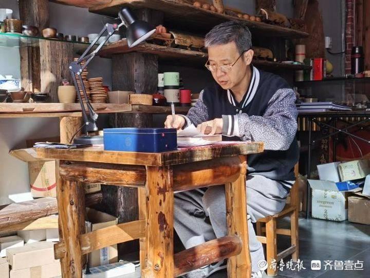 非遗故事丨德州有个唐木人,他以竹木为纸、以刀代笔刻出中国风