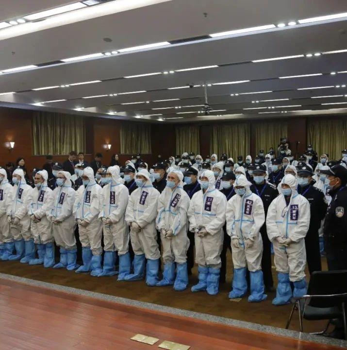 """【判了】无期徒刑!陈基福等51人黑社会性质组织犯罪案以及两名""""保护伞""""在桂林公开宣判"""