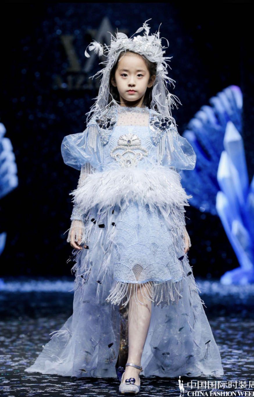 看秀|梦幻公主、中国风与绿色环保,时装周上童装更潮酷图片