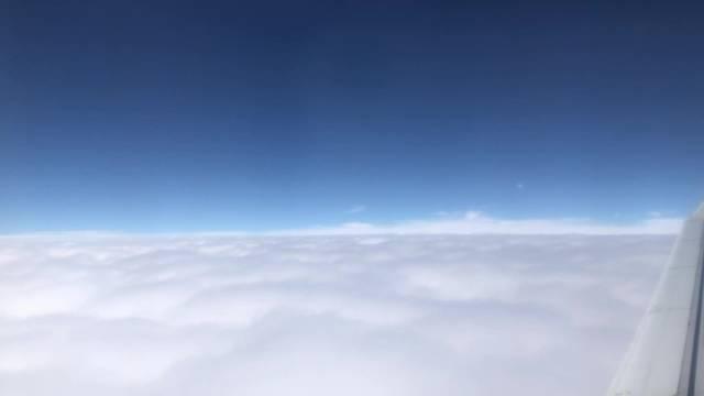 飞机上看云海,呜呜呜呜好棒啊,终于知道古人为什么想要成仙了!