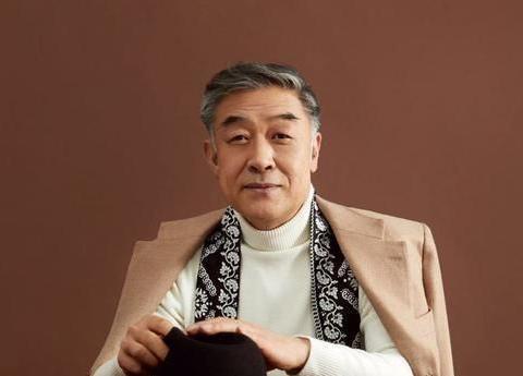 """61岁""""太监专业户""""李建义,36年出道,却不温不火"""