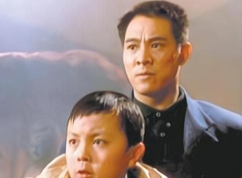 """他是李连杰""""儿子"""",因周润发一句话隐退,错过黄金时期难回巅峰"""