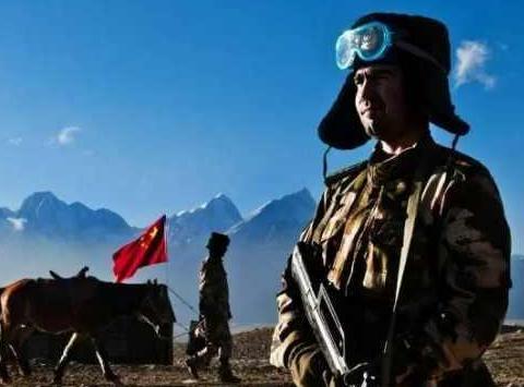 塔吉克族:我国的白人少数民族,穿中国军装,最不喜欢被叫老外