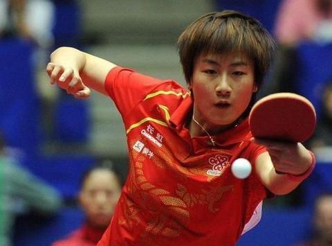 邓亚萍作为前辈,值得学习!国乒未来发展就是要虚心向学的球员!